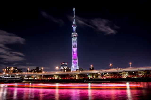 ピンク色の東京スカイツリー