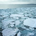 北海道で流氷が接岸する場所と船に乗れるのは?見れる時期はいつまで?
